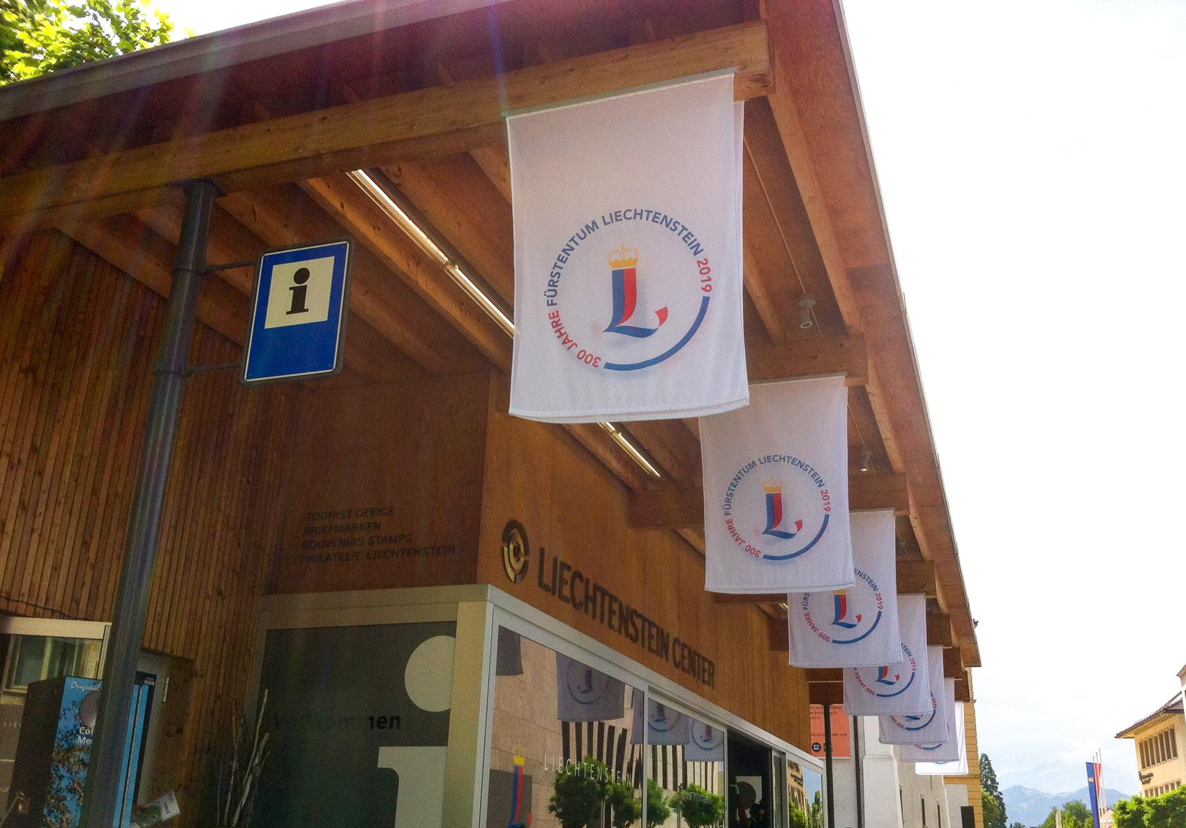 Aussenwerbung - Fahne Tourismus Liechtenstein